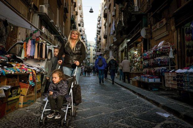 Napoli vista dai portoghesi: «A ovelha negra in cui lasci il cuore»