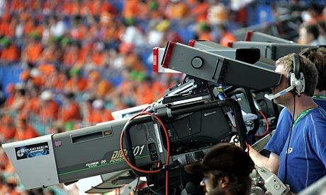L'antitrust e i diritti della Serie A: 30 milioni di multa per Sky e Mediaset