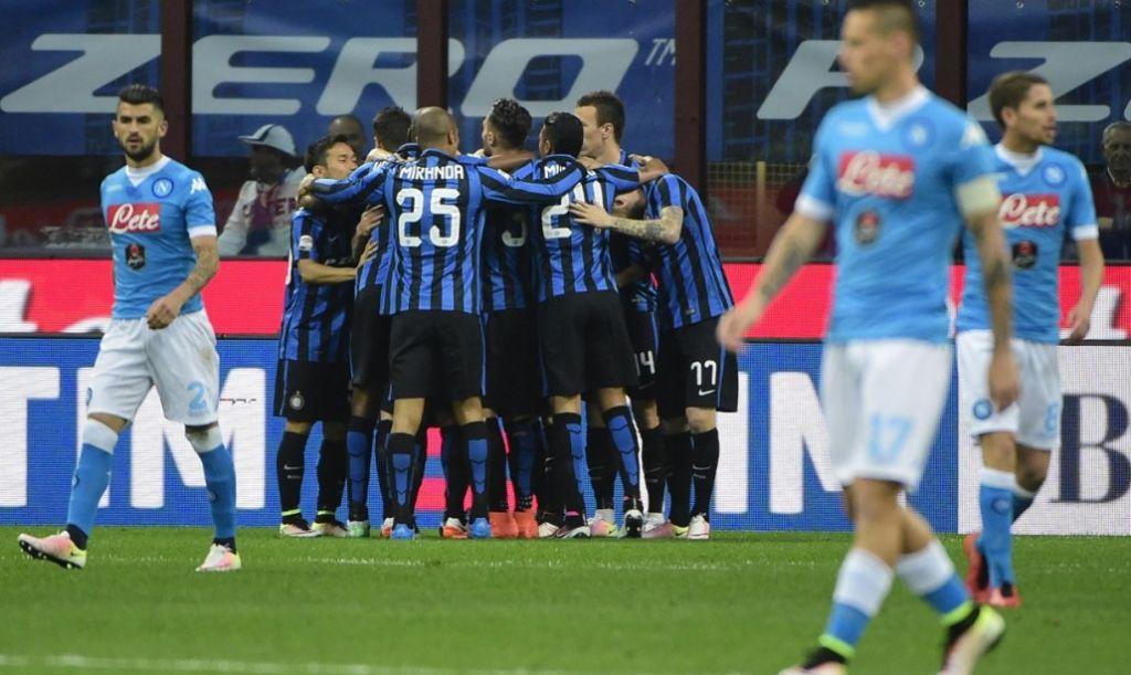 Inter-Napoli 2-0, pagelle / Solo Sarri sa cosa sta succedendo al Napoli. Si salvano solo Hamsik e Callejon