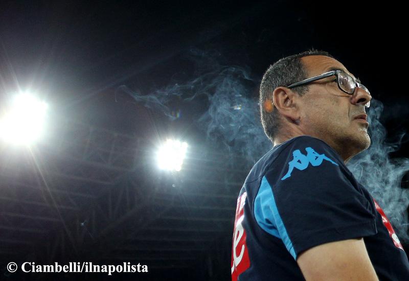 A Sarri il merito di aver cambiato idea e di aver migliorato la difesa del Napoli. Gli resta la prova più ardua: la continuità