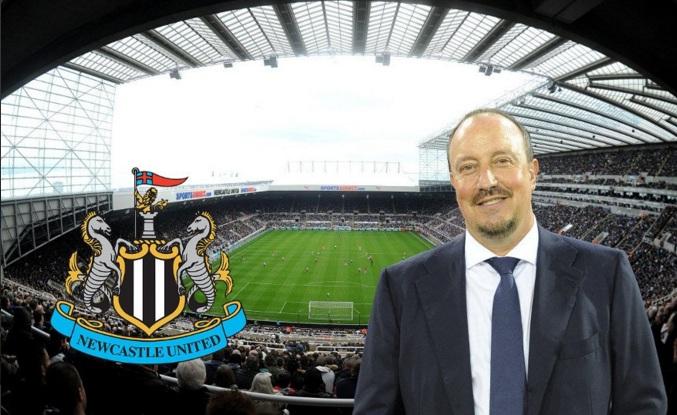 Benitez: «Estoy muy contento y muy satisfecho por haberme comprometido con un gran club, con una gran entidad come el Nàpoles»
