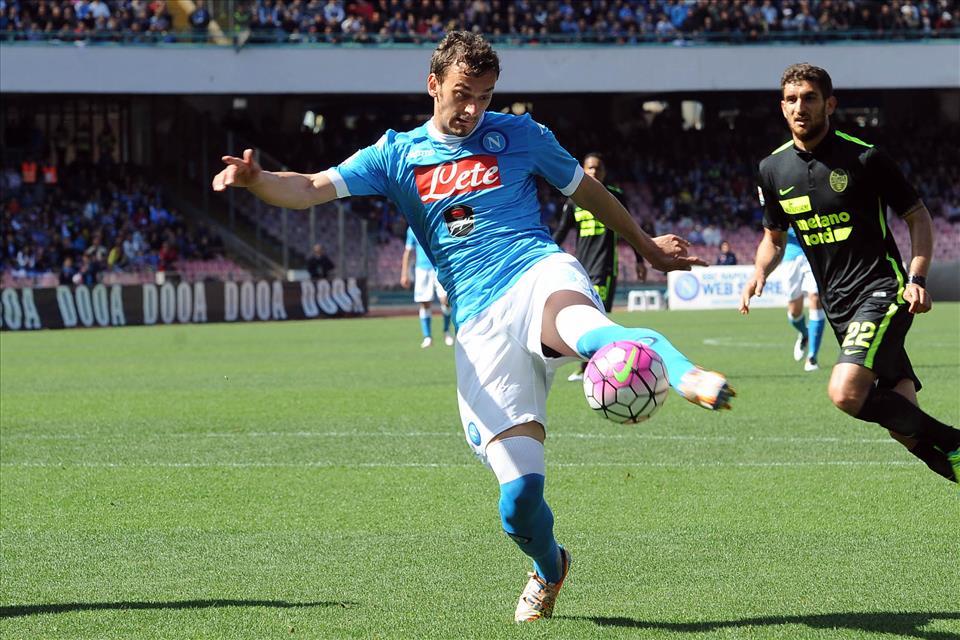 Napoli-Verona 3-0, pagelle / La sindone strappata di Albiol, Callejon cronografo svizzero. La genialità di Gabbiadini