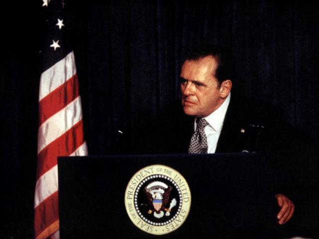 """Il cinema americano torna sul """"cattivo"""" Nixon e nessuno polemizza"""