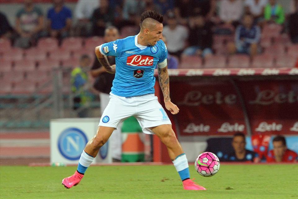 Napoli-Lazio 5-0, pagelle/Hamsik non segna, ma quando gioca così è l'uomo più completo della squadra. È ovunque, con una predilezione per il centro-sinistra, col trattino