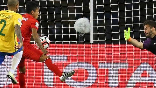 La caduta degli dei: Brasile eliminato, il Perù vince 1-0 (con gol di mano)