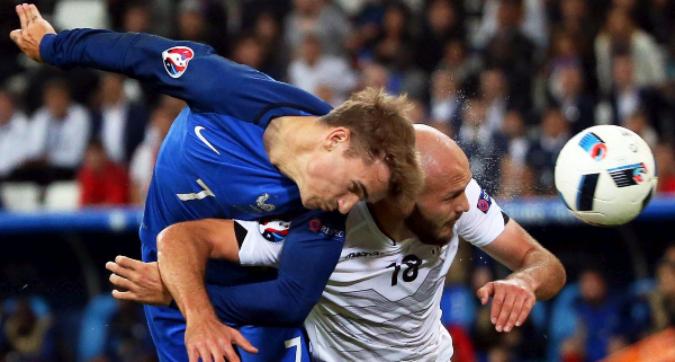 È la Francia di Godard, fino all'ultimo respiro: 2-0 all'Albania di Hysaj, segnano Griezmann e Payet