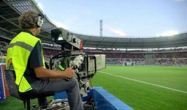 Il calcio in tv: per la Serie A ascolti in calo, anche il Napoli perde il 13% di telespettatori in due anni
