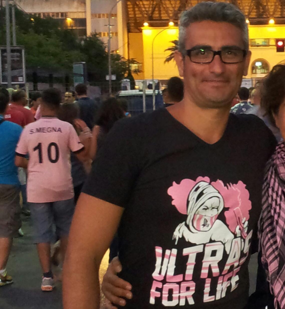 Agostino, tifoso del Palermo trapiantato dalla Zisa a Napoli per amore: «Mi stanno sfottendo da giorni»