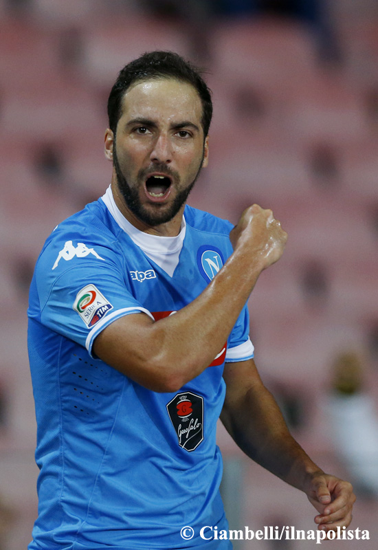 Higuain come Giordano a Bergamo nel 1987. È il suo gol 71 nel Napoli, è nono nella classifica all time (ha superato Canè)