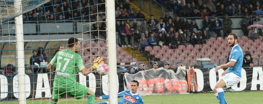 Napoli-Atalanta 2-1, pagelle / Higuain e Callejon: intesa perfetta come Peppino e Totò