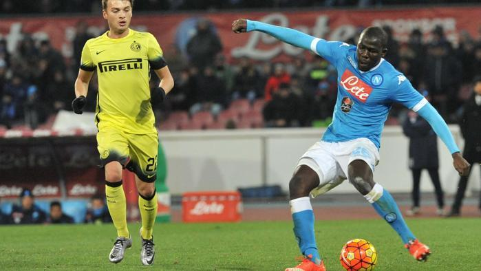 Napoli-Inter 0-2, pagelle / Koulibaly nero a metà, Mertens che svieni a fare? Sarri e il perbenismo