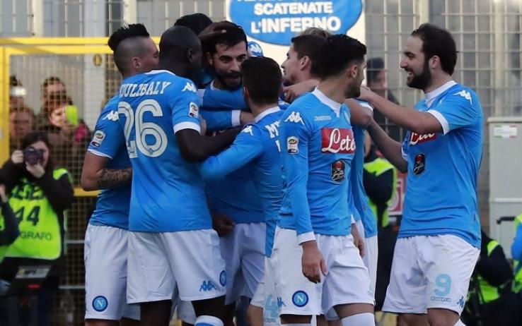 Frosinone-Napoli 1-5, le pagelle / A Frosinone Higuain iniziò a completare il suo destino. Sarri, il mister che ci ha insegnato il valore del sorriso