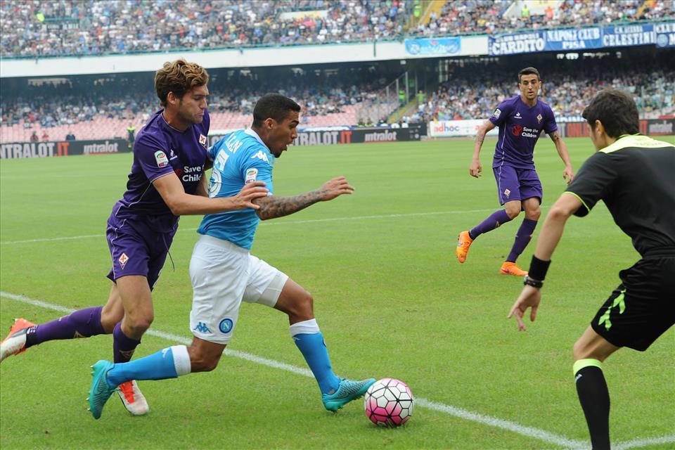 Napoli-Fiorentina 2-1, pagelle / Il partigiano Allan, Koulibaly è un muro, Hamsik quasi perfetto. La rivoluzione di Sarri è il sangue agli occhi