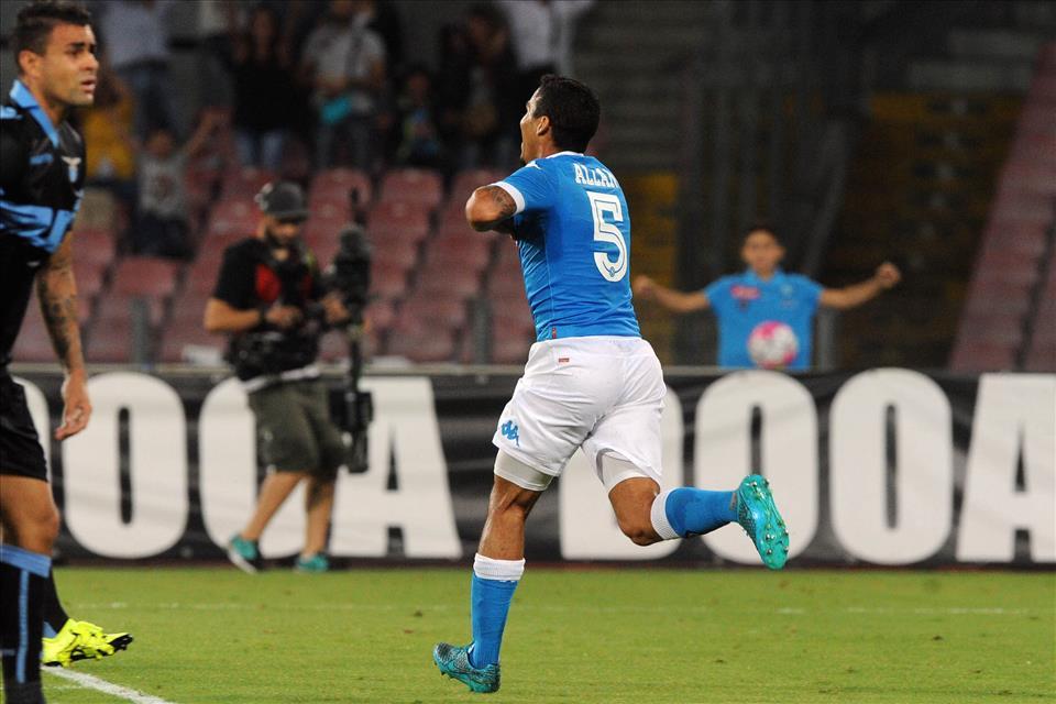 Napoli-Lazio 5-0, incredibile ma vero: Allan non è il solito pacco dell'Udinese