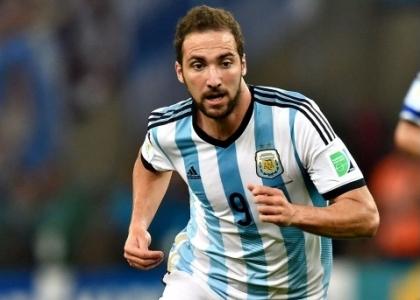 Higuain segna due gol nel 7-0 dell'Argentina a Hong Kong