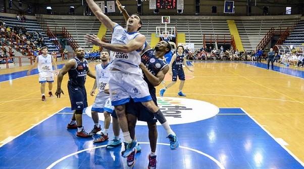 Basket, Cuore Napoli batte Roma 80-75 (con qualche patema d'animo)