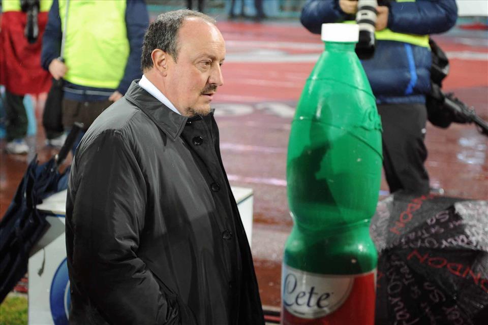 Benitez: «La Roma? Loro puntavano allo scudetto, noi no. Noi siamo tranquilli. Callejon? Un giocatore quando esce deve essere un po' arrabbiato»