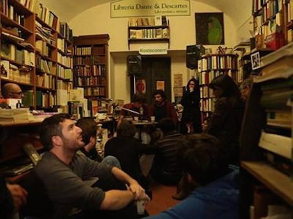 L'idea geniale di Dante & Descartes: finanzia l'acquisto della libreria, in cambio avrai libri