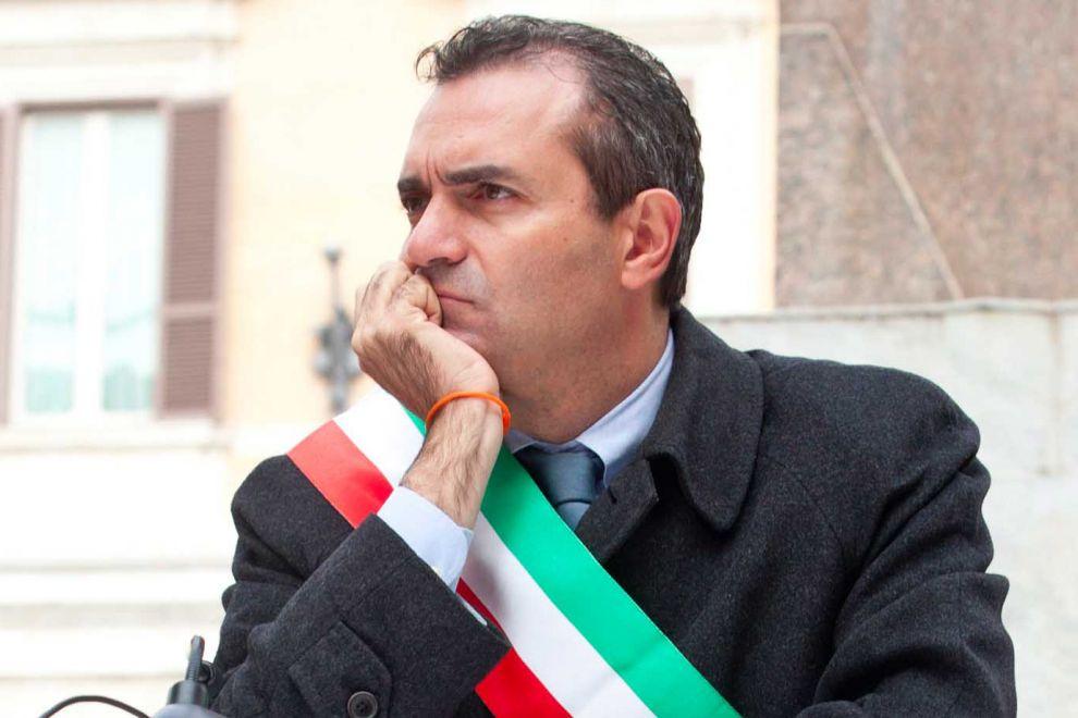 De Magistris sceglie il low profile: «Furti di Stato, o di Calcio»