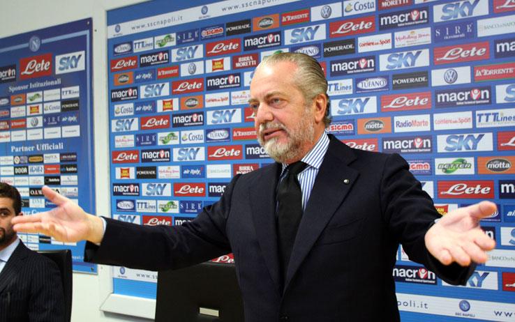 """De Laurentiis è come Berlusconi in politica. Noi """"competenti"""" ci crediamo superiori"""