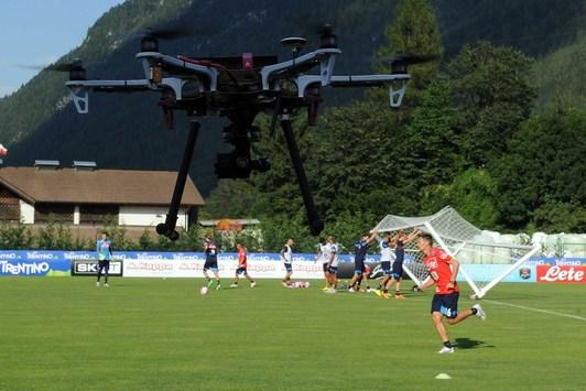 Si è rotto il drone di Sarri (ma a Torino ce l'hanno rubata)