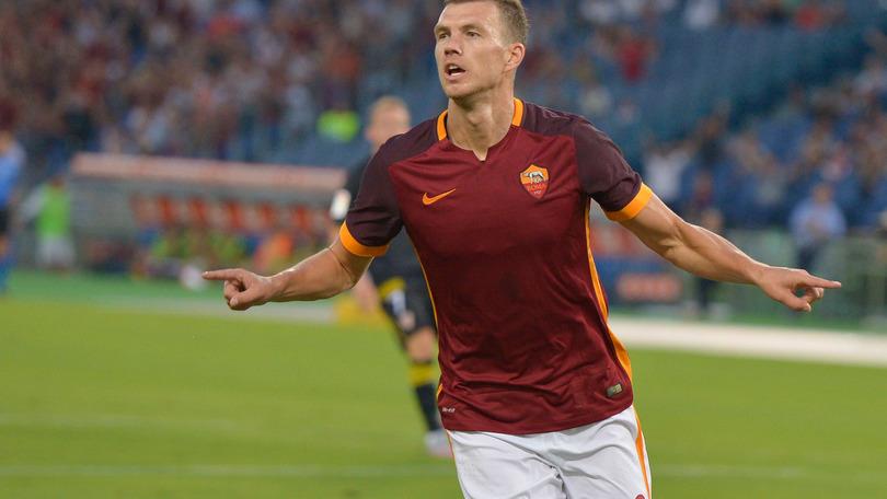 Si è infortunato Dzeko, salterà Roma-Juventus. In forse anche Nainggolan