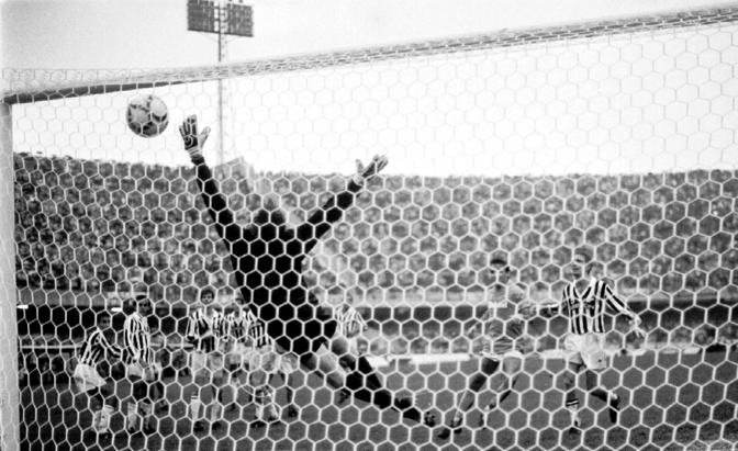 A 7 anni papà mi buttò a terra allo stadio, era il giorno della punizione di Maradona