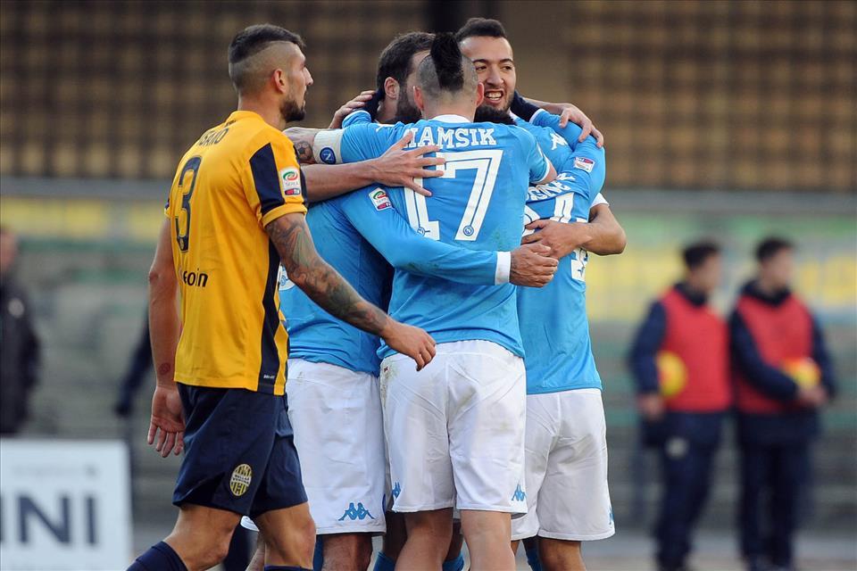 Il Napoli vince a Verona da squadra matura. Insigne, un gol alla Rivera in Italia-Germania 4-3. Jorginho tocca 215 palloni