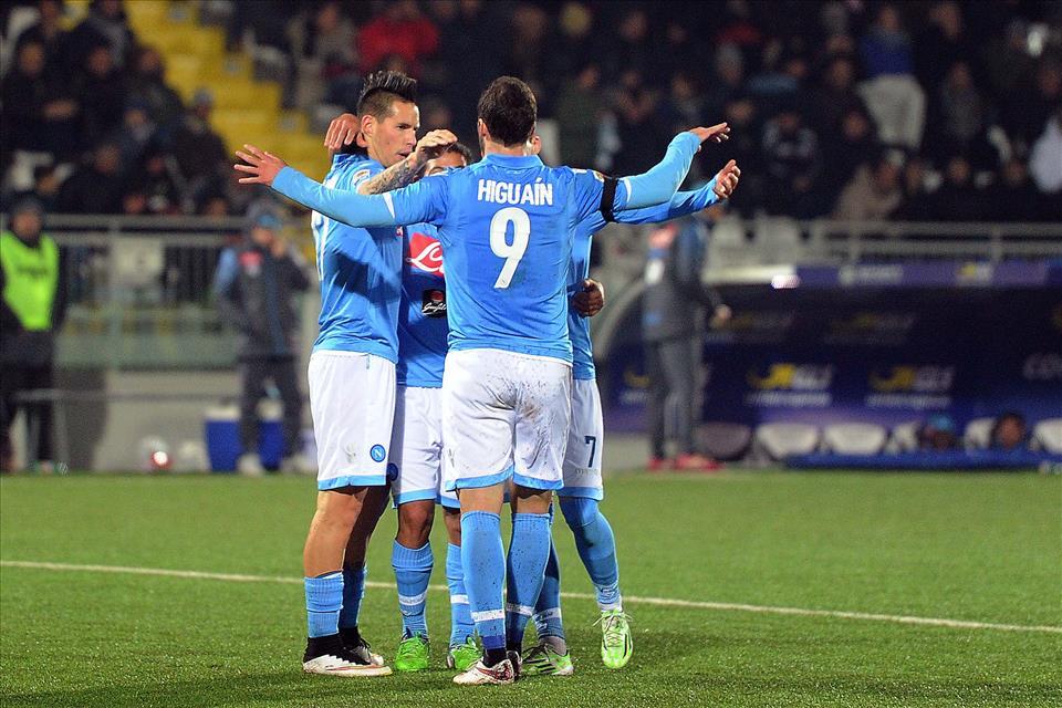 Il Napoli deve battere il Cesena per tenere viva la speranza Champions