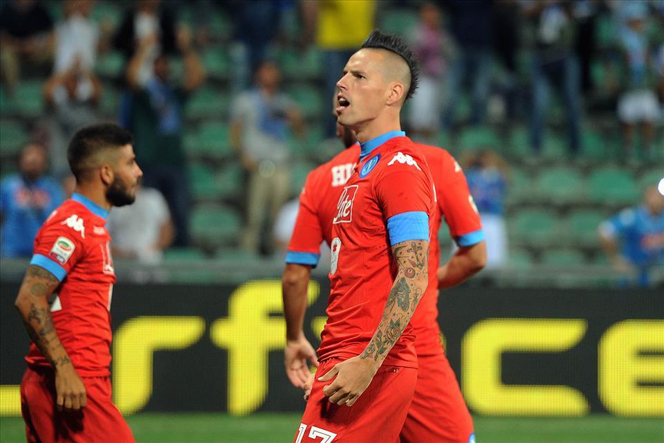 Pagelle improbabili di Napoli-Sassuolo 3-1/ Hamsik finalmente capitano coraggioso. Sarri a fine partita invia un sms ad Allegri: «Ci avevi sperato…»