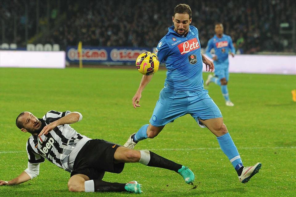 Il Napoli a Torino per la Champions e per provare a rovinare la festa alla Juventus
