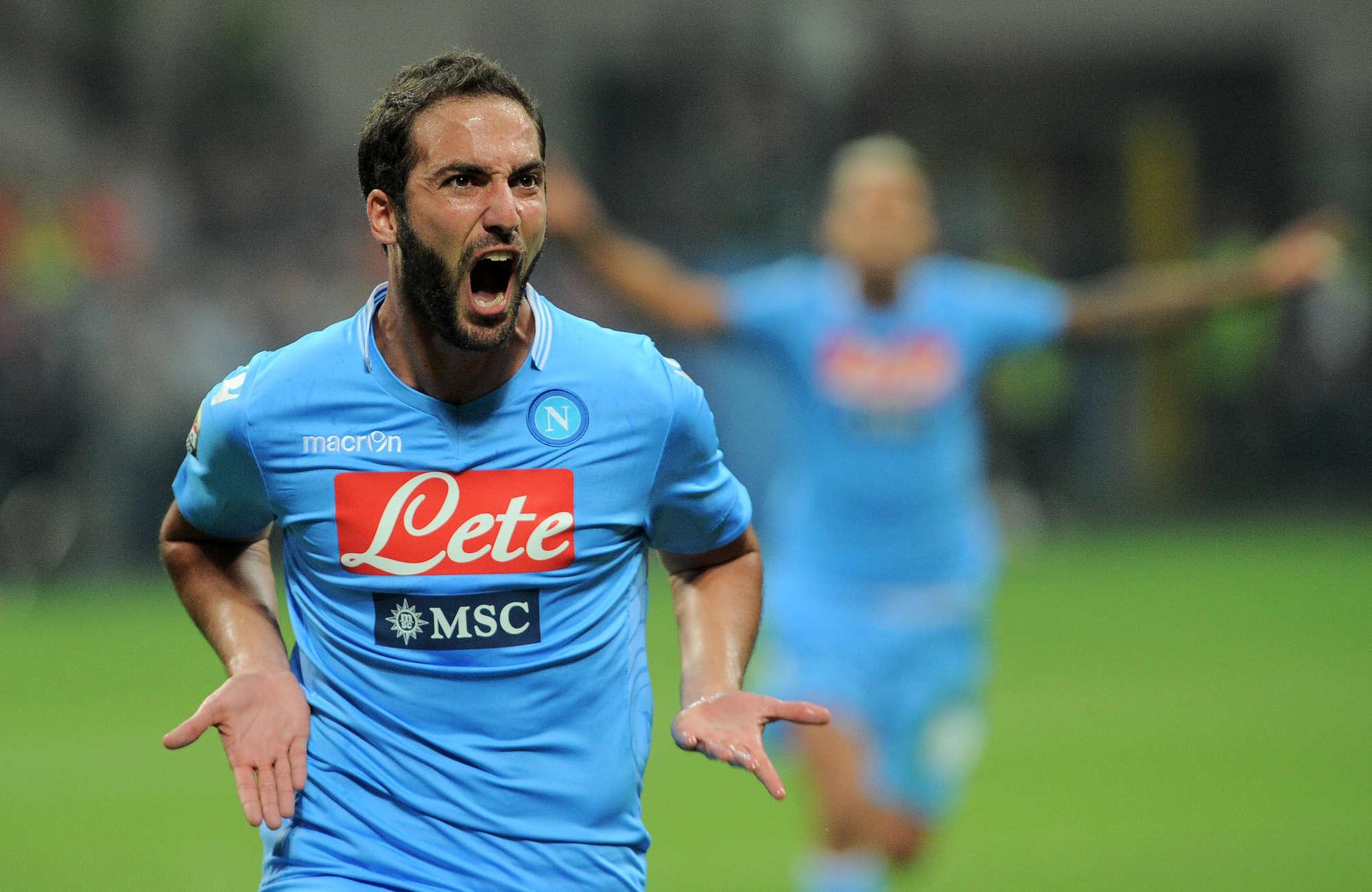 Napoli-Palermo 2-0,mammtweet/Guardate io non lo so cosa ci ha fatto Sarri a Higuain ma qualsiasi cosa gli abbia fatto facciamogliela fare pure ai macchinisti della Circumvesuviana