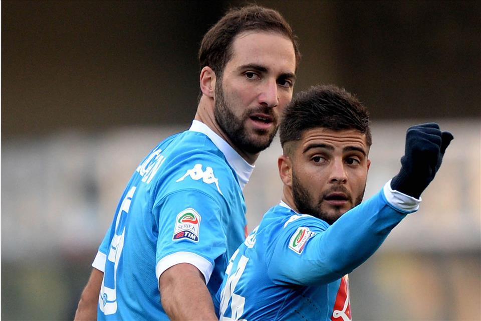 Verona-Napoli 0-2, pagelle / Meno male che Higuain era stanco. La verginità è di Reina, non di Giulietta. Gli insulti alla mamma svegliano Insigne