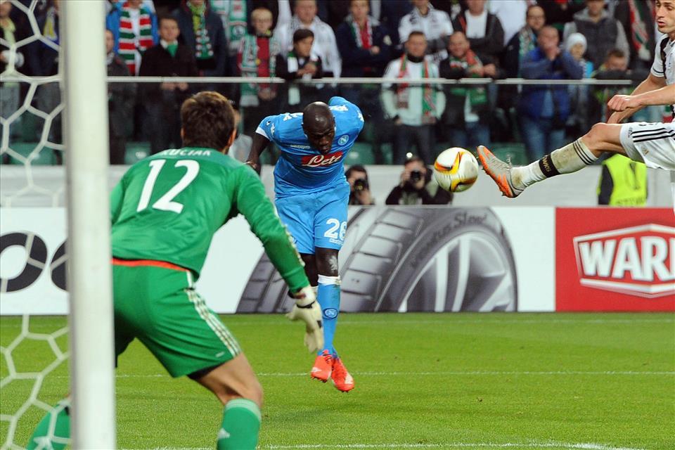 Midtjylland-Napoli 1-4, pagelle / Koulibaly, chiusure e ricami. Il gran gol di Callejon e il Gabbiadini ritrovato