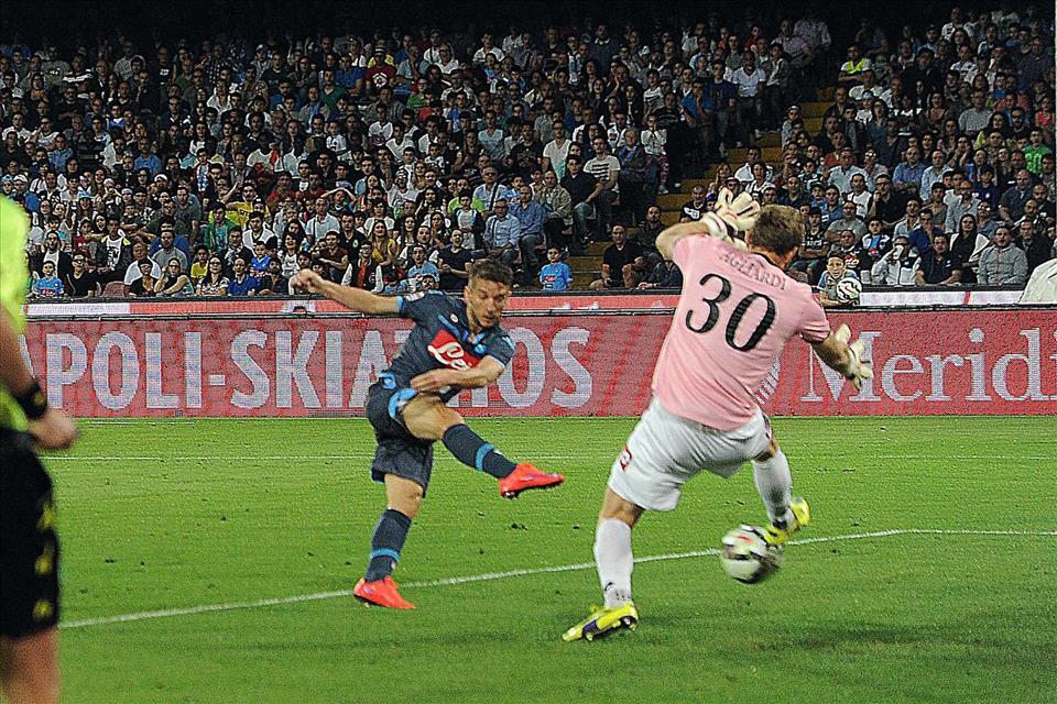 A fatica, ma il Napoli vince. 3-2 al San Paolo contro il Cesena