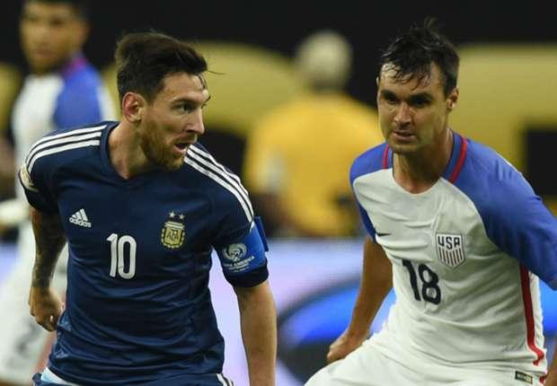 L'Argentina strapazza gli Usa (4-0) e va in finale. Doppietta Higuain, straordinario Messi