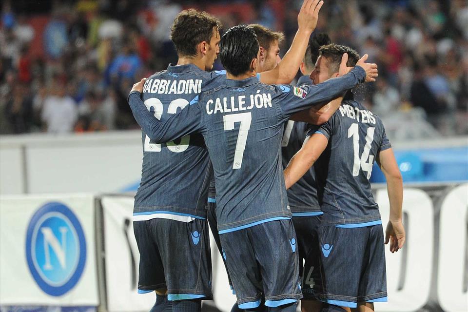 Il Napoli è spento, stagione deludente, e club con poco appeal sul mercato