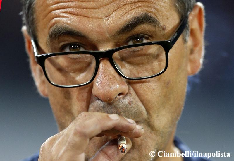 Sarri nervoso, la trattativa continua ma il Chelsea allerta Conte per il raduno del 9
