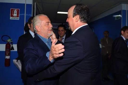 """Nel rapporto tra Napoli e i media, Benitez e De Laurentiis stanno riuscendo a ottenere il famoso """"spalla a spalla"""""""