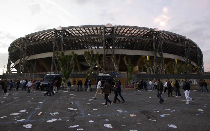 Il caso San Paolo oltre Napoli: nelle altre città, i club contribuiscono a pagare i trasporti postpartita