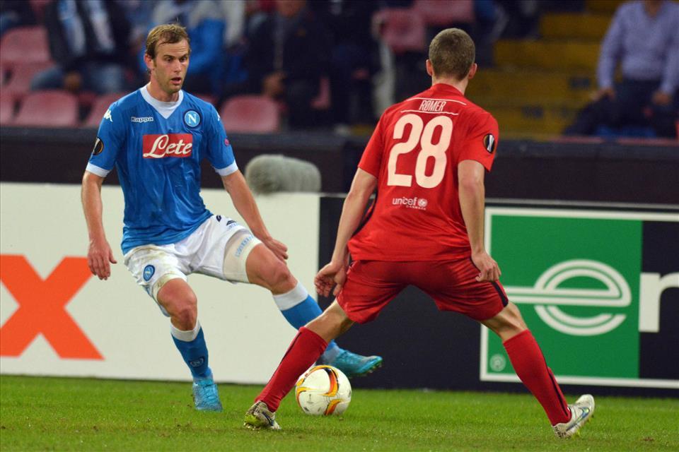 Napoli-Midtjylland 5-0, le pagelle/ La rivincita di Strinic, il mobbing di Reina, la vendemmia di Gabbiadini. E Callejon rompe l'ultimo tabù