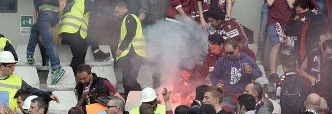 Condanna definitiva al tifoso juventino per concorso morale nel lancio della bomba carta in Torino-Juve