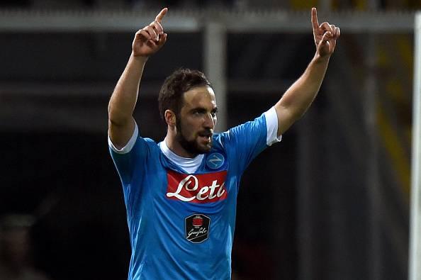 La doppietta col Genoa lancia di nuovo Higuain in testa alla classifica della Scarpa d'Oro