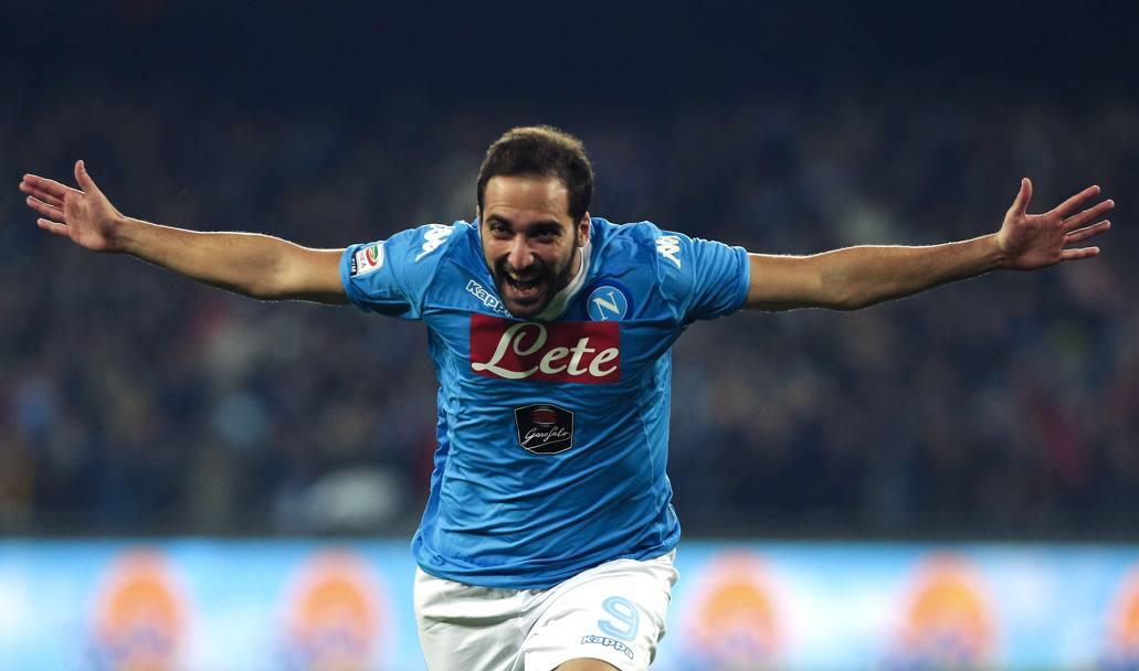 Fiorentina-Napoli 1-1. Due gol in due minuti, poi Viola meglio degli azzurri. Juventus a+3
