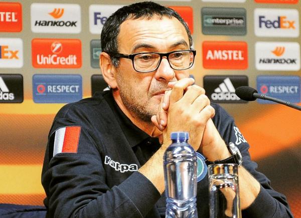Sarri: «La riunione tecnica dopo Juve-Napoli è durata dai sette agli otto minuti. Chi andrà in campo domani dovrà essere cattivo e determinato»