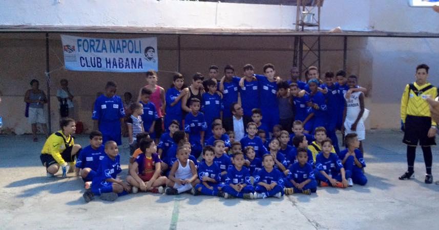 Nico, il napoletano che trasmette ai bambini di Cuba la passione per il calcio e per il Napoli