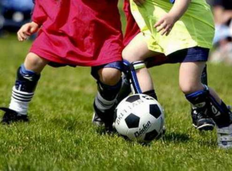"""Una mamma scrive a Repubblica: """"Basta con l'allenatore-imperatore. Nelle scuole calcio serve il co-educatore"""""""