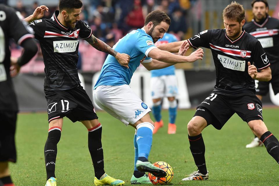 Il Napoli di Sarri è la squadra più forte del campionato e noi i suoi tifosi. I fazzoletti lasciamoli a casa