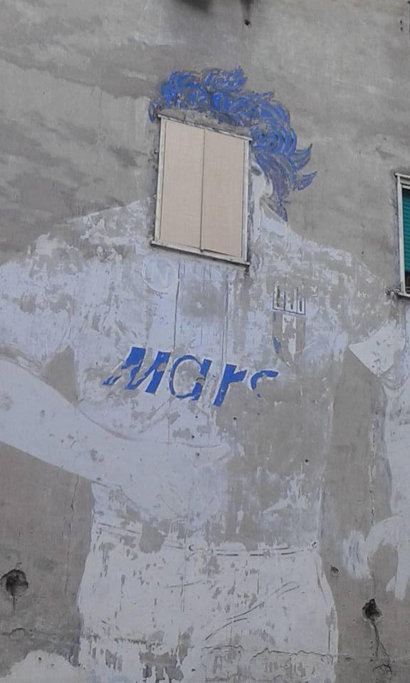 «Restituisco la faccia a Maradona». Parte ai Quartieri Spagnoli il restauro del murales