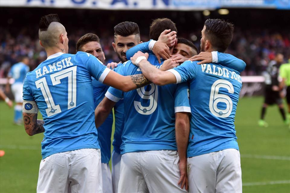 La corsa a due tra Napoli e Juventus
